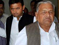 UP election : अलग-अलग डाला मुलायम कुनबे ने वोट